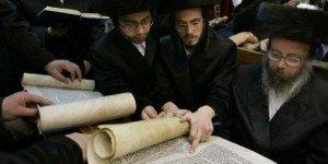 Les Juifs d'Europe NE sont PAS originaires de Palestine...Selon une étude américine! hassidim2-300x150